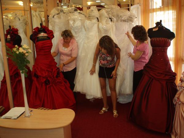Hírek - Menyasszonyi ruhák 52050d2618