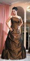 5e02a34626 Kislány koszorús ruhák - Menyasszonyi ruhák, Alkalmi ruhák, Báli ...