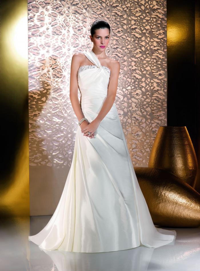 Menyasszonyi ruha modellek Párizsból 2. - Just for You 135-45 ... 3a1785b682