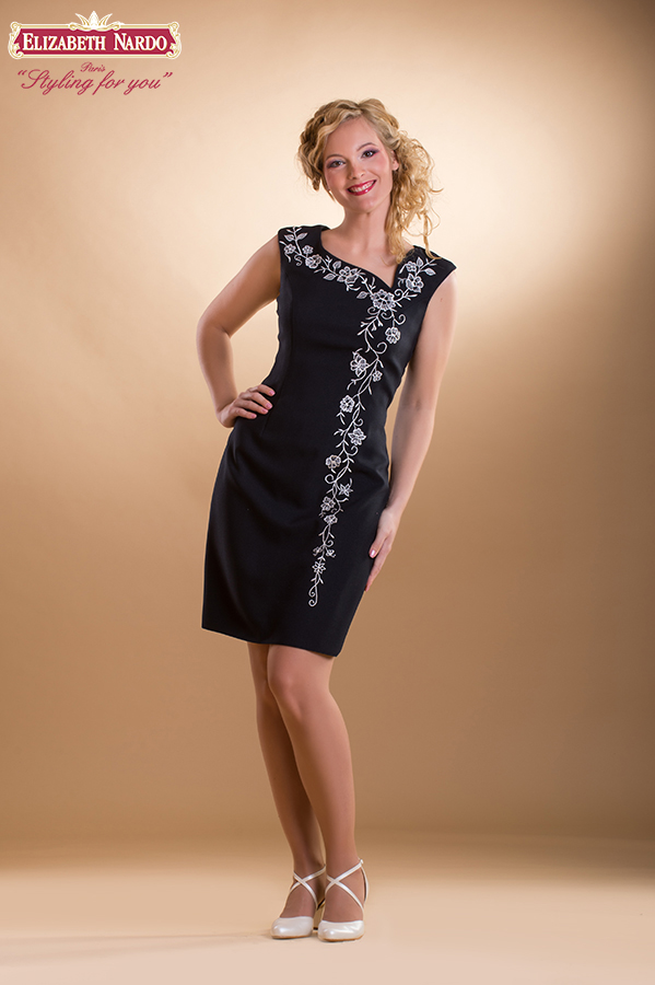 e07e6520f6 Örömanya ruha, Renee - 15-410 örömanya ruha:ó-kalocsai himzett ...