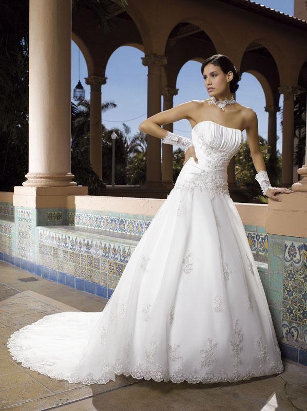 Menyasszonyi ruha modellek Párizsból 2. - Miss Kelly 111-20 ... d7f78b065c