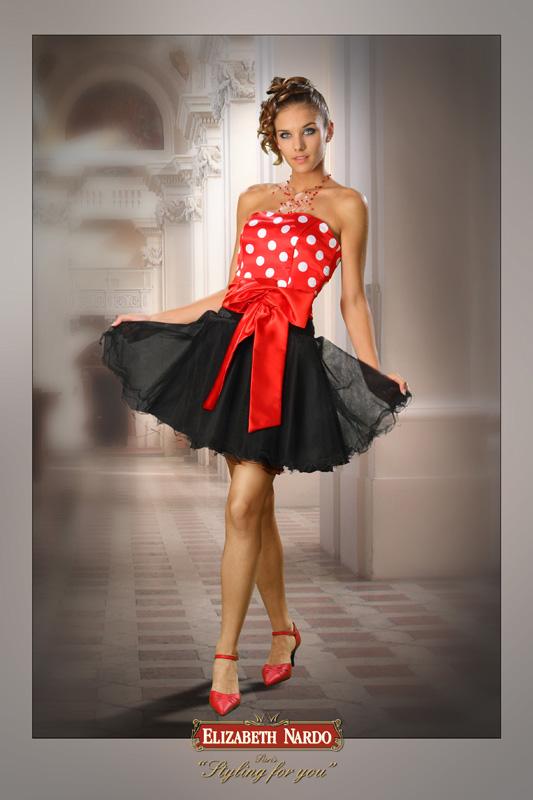 6ad134927a MODELL: 13-156 piros fehér pöttyös felső, fekete tüll szoknyás,menyecske  ruha