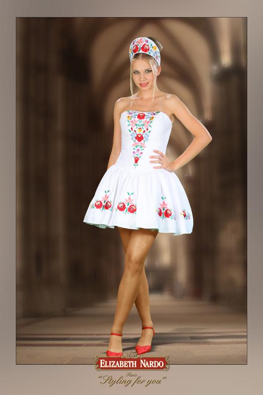 b88f4ed3cf Menyecske ruhák - 13-185 egyrészes fehér kalocsai hímzett,menyecske ...