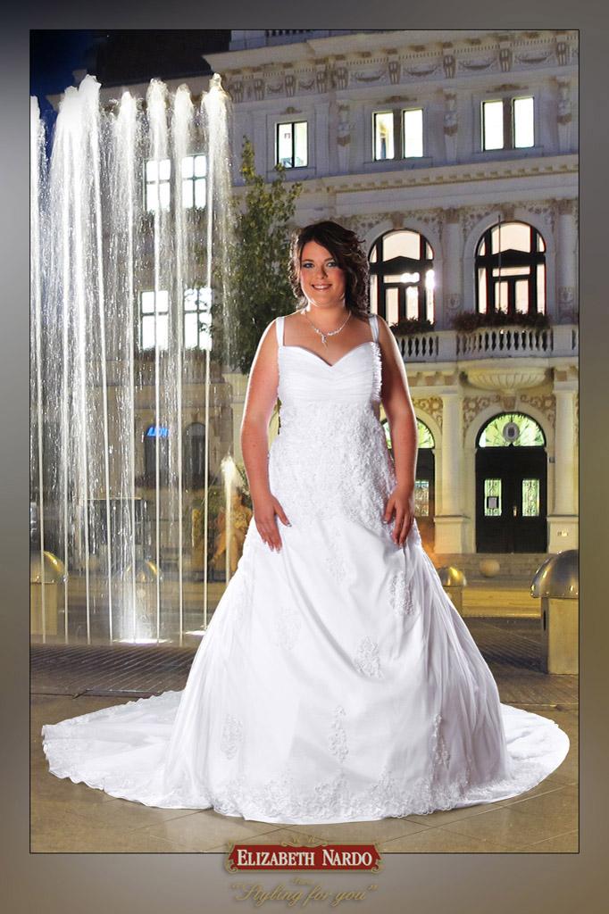 Menyasszonyi ruha és menyecske ruha Plus Size - 12-245 ... 5f28089a3f