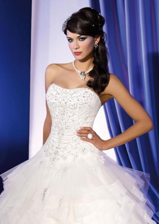 Menyasszonyi ruha modelljeink Párizsból - Menyasszonyi ruha ... c276e7f555